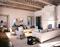 Living room design by Pierre Yovanovitch Decoration Inspiration, Interior Design Inspiration, Decor Ideas, Decorating Ideas, Living Room Designs, Living Spaces, Family Room Design, Modern Room, Unique Home Decor