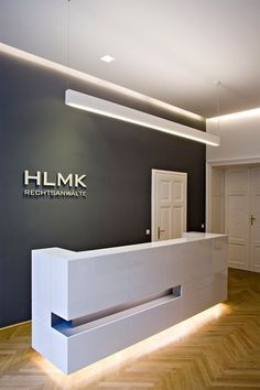 HLMK reception #office #design #moderndesign http://www.ironageoffice.com/
