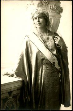 Queen Marie of Romania wearing the Vladimir Sapphire Kokoshnik Tiara (Cartier, and her Cartier Sautoir with the Sapphire Pendant, Romanian Royal Family, Greek Royal Family, Princess Alexandra, Princess Beatrice, Mary I, Queen Mary, George Vi, Royal Jewels, Crown Jewels