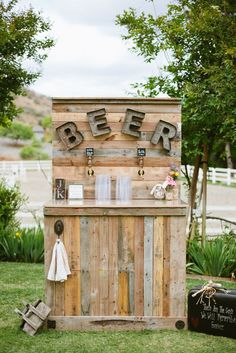 What is a Beer Bar, and Why Are So Many Popping Up at Country Weddings?: