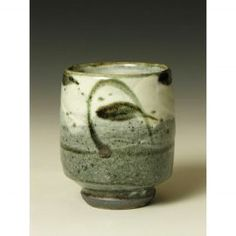 PR 386  A Yunomi with iron brushed pattern.