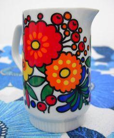 Retro jug Vintage Coffee, Vintage Love, Retro Vintage, Vintage Stuff, Vintage Dishware, Vintage Pottery, Hippie Kitchen, Red Wine Gravy, Retro Crafts