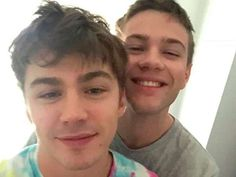 Locke & Key star Connor Jessup is dating Miles Heizer from 13 Reasons Why and fans can't cope Gay Lindo, Alex Standall, You Make Me Better, Cute Captions, Falling Skies, How We Met, Anthology Series, American Crime, Cute Gay Couples