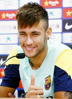 Image about Hot in Neymar da Silva Santos Junior by Bianca World Best Football Player, Football Players, Brazilian Soccer Players, Paris Saint Germain Fc, National Football Teams, Lionel Messi, Fc Barcelona, My Guy, To My Future Husband