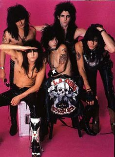 Guns -- a combination of some members of this band (including guitarist Tracii Guns) with some members of Hollywood Rose (including Axl Rose) became Guns 'n Roses, the first lineup of that band. Guns later left, replaced by Slash. 80s Metal Bands, 80s Hair Metal, Hair Metal Bands, 80s Rock Bands, Bruce Dickinson, Power Metal, 80s Music, Rock Music, Death Metal