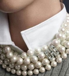 My triple strand of pearls with diamond clasp or AURIENTIS pearls with white bl… Mein dreifacher Perlenstrang mit Diamantverschluss oder AURIENTIS Perlen mit weißer Bluse oder blauer Nina Ricci Seidenbluse. Jewelry Accessories, Fashion Accessories, Fashion Jewelry, Pearl Jewelry, Jewelery, Pearl Necklace, Looks Style, My Style, Blue Denim Shirt
