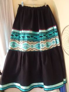 BLACK SKIRT Gallery of Women's native american-style FUll skirt in basic black with ribbons, tribal print trim. Sizes xs,s med,large, xl Native American Clothing, Native American Fashion, Native Fashion, American Indians, Traditional Skirts, Traditional Outfits, Tutu, Summer Dresses Uk, Jingle Dress
