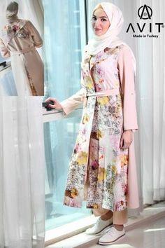 colorful trench coat Avit hijab- Avit hijab fashion http://www.justtrendygirls.com/avit-hijab-fashion/