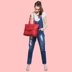 Add a casual #totebag to your dungarees for an off-duty daytime feel or you could dress up for a night out by adding a pair of killer heels. Get your styling hat on, pretties! Get a hold of this #totebag available at any Exclusive Baggit stores or www.baggit.com.  Shop Here : https://goo.gl/KO6Wlx