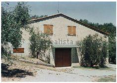 Casale/cascina for sale in Montepulciano, Val di Chiana Senese, Siena — idealista Italian Home, Siena, Cabin, House Styles, Home Decor, Decoration Home, Room Decor, Cabins, Cottage