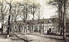 Sint Odulphusschool met onderwijzerswoning, Spoordonkseweg 1