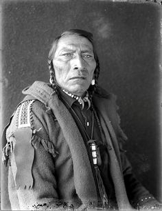 Packs The Hat ● Crow ● early ● by Richard Throssel ● University Of Wyoming, American Heritage Center Native American Pictures, Native American Beauty, American Indian Art, Native American History, Native American Indians, American Pride, Crow Indians, Native Indian, Native Art