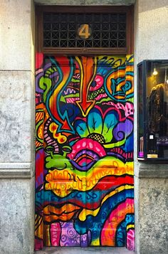 """Malasaña, Madrid, Spain.""          NOTE: ""THIS IS THE ONLY IMAGE IN THE ""VISIT"" SECTION OF THIS PIN."