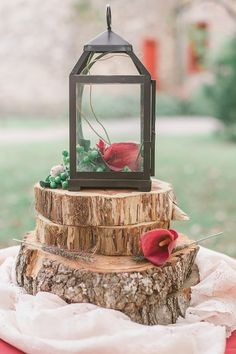 Love the look of the wood and lantern