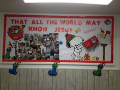 Sharing the love of Jesus all around the world with operation Christmas Child. Christmas Child Shoebox Ideas, Operation Christmas Child Shoebox, Christmas Crafts For Kids, Missions Bulletin Board, Church Bulletin Boards, Fall Projects, Projects For Kids, Birthday Decorations, Christmas Decorations