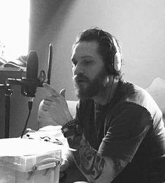 THAS-Tom Hardy Argentina Station — Tom is narrating the 2016 North Pole...