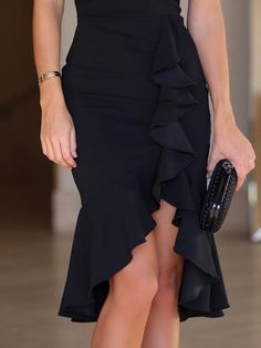 Shop Twist Front Ruffle Detail Irregular Bodycon Dress right now, get great deals at Chiquedoll Girly Outfits, Skirt Outfits, Chic Outfits, Dress Skirt, Fall Outfits, Bodycon Dress, Black Outfits, Lace Skirt, Trend Fashion