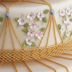 Brides: Faberg Egg-Inspired Wedding Cake . Golden Touch