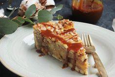 Almás pite fahéjjal, kardamommal, sós karamellel | Ízből tíz Meatloaf, Lasagna, Food To Make, Tart, Pie, Ethnic Recipes, Cakes, Caramel, Torte