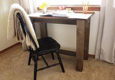 DIY Furniture : DIY  Farmhouse desk