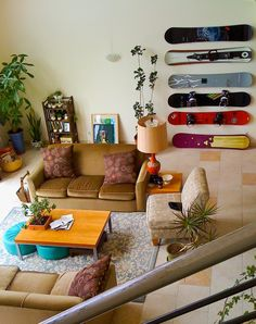 wall mounted snowboard storage - good for no garage