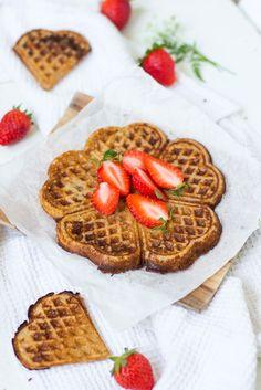 Vegaaniset gluteenittomat vohvelit / Yummy Baker