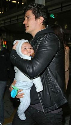 Orlando Bloom and his son Flynn ~ I always love father's and they're baby's together, It's Adorable!