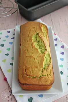 Cooking between Olives: Avocado sponge cake. Recipe step by step. Cookie Desserts, Healthy Desserts, Delicious Desserts, Yummy Food, Sponge Cake Recipes, Pound Cake Recipes, Cake Recipes Step By Step, Sweet Cooking, Bunt Cakes