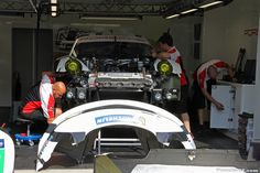 http://www.planete-gt.com/wp-content/uploads/2014/06/LeMans-2014-Paddock-Porsche-01.jpg