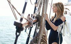 Jennifer Aniston, American actress, 4k, beautiful woman, yacht, black dress, make-up