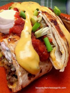 Double Decker Taco Wraps, aka Crunchwrap Supremes with Garlic & Jalapeno Nacho Cheese Sauce Think Food, I Love Food, Good Food, Yummy Food, Tasty, Wrap Recipes, Beef Recipes, Butter Cheese, Essen