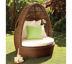 Palmetto All-Weather Wicker Egg Chair