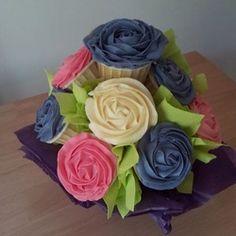 Cupcake bouquet #cake #Cupcake