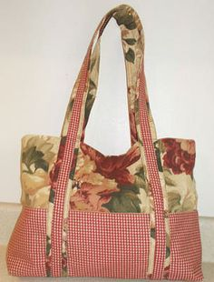 Free Pattern to Create a Two Tone Fabric Hand Bag with Pockets