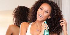 Como pentear cabelos encaracolados