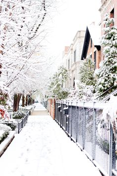 Your complete list of what to buy for a Chicago winter! Photo via Kelly In The City