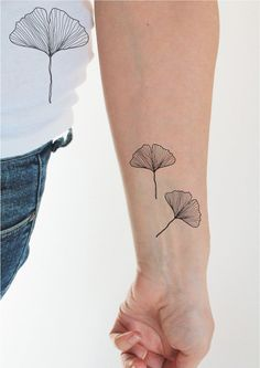 3 gingko leaf temporary tattoos with a beautiful sketch style tattoo design are an irresistible tattoo idea for nature lovers image 0 Thin Line Tattoos, Mini Tattoos, Cute Tattoos, Beautiful Tattoos, Leaf Tattoos, Simple Line Tattoo, Tatoos, 42 Tattoo, Poke Tattoo