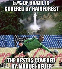 Brazil vs Germany FIFA world cup 2014 Funny Football Memes, Soccer Jokes, Sports Memes, Soccer Stuff, Cute Jokes, Best Funny Jokes, Funny Memes, Funniest Memes, That's Hilarious