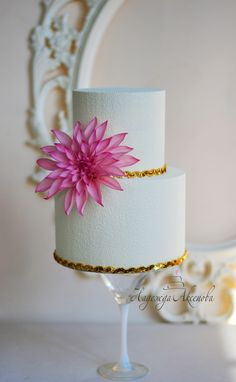 Wedding Cakes in Chocolate   .wedding cake  cover- chocolate velvet . Chocolate velvet texture