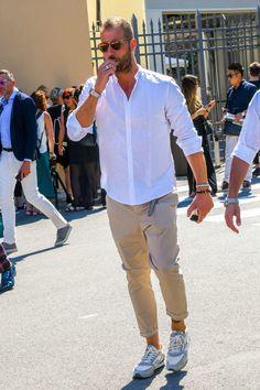 ミズノのランニングスニーカーでスポーツテイストをプラスしたコーディネート Cool Outfits, Casual Outfits, Fashion Outfits, Mens Fashion Quotes, Mens Casual Suits, Herren Outfit, Street Style, Gentleman Style, Stylish Men
