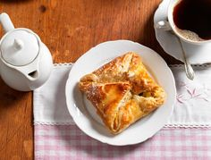 French Toast, Bread, Breakfast, Food, Food And Drinks, Pies, Kuchen, Simple, Recipies