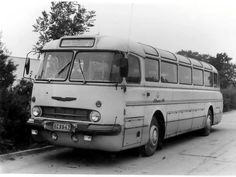 Kombinat für Sport und Technik - Ikarus Bus - Hungary Bus Coach, Busse, Cars And Motorcycles, Vintage Cars, Camper, Transportation, Classic Cars, Boat, Black And White