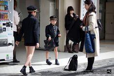 japanese school uniform boy and girl - Google Search School Wear, School Boy, High School, Nikko, Japan Summer, Japan Painting, Japanese School Uniform, Japan Tattoo, Short Suit