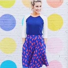 So lovely and so colorful with this Randy T & Madison skirt, very playful!! ❤️ #LuLaRoerandyt #LuLaRoe https://www.facebook.com/groups/lularoejessicamartin/