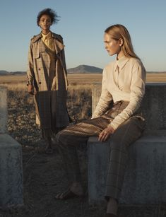 Women´s Campaign SS18 at Massimo Dutti online. Enter now and view our Fall Winter 2017 Campaign SS18 collection. Effortless elegance!