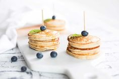 In need of a healthy snack idea for your kids lunch box? Whip up our easy and healthy banana pikelet recipe for brekie and leftovers for the lunch box. Easy Dinners For Kids, Kids Meals, Quick Snacks, Healthy Snacks, Healthy Recipes, Lunch Box Recipes, Beer Recipes, Pureed Food Recipes, Baby Food Recipes
