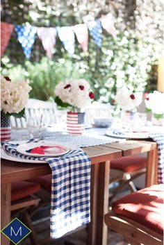 4th of July Party Décor, throwing an outdoor party on Independence Day and still trying to figure it out the details? take a look to this Perfect yet Easy table setup  https://merakihomeaccents.com/blogs/meraki-home-accents/perfect-and-easy-4th-of-july-party