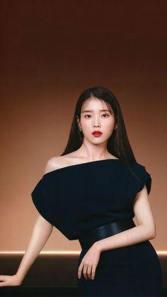 Iu Short Hair, Iu Hair, Korean Actresses, Korean Actors, Iu Fashion, Korean Fashion, Asian Woman, Asian Girl, Brown Blonde Hair