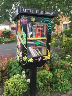 11 Faith In Humanity Restored - Faith In Humanity Restored - Daily LOL Pics Little Free Libraries, Little Library, Free Library, Faith In Humanity Restored, I Love Books, Book Nerd, Decoration, Book Worms, Street Art