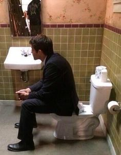 i love how i just randomly have a photo of mish on toilet on my phone